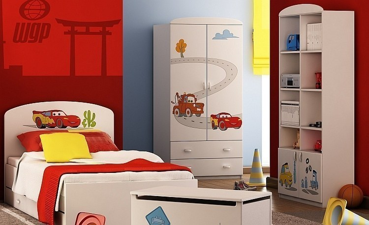 kinderzimmer disney cars mit soft close und 3d gravur bett schrank und regal ebay. Black Bedroom Furniture Sets. Home Design Ideas