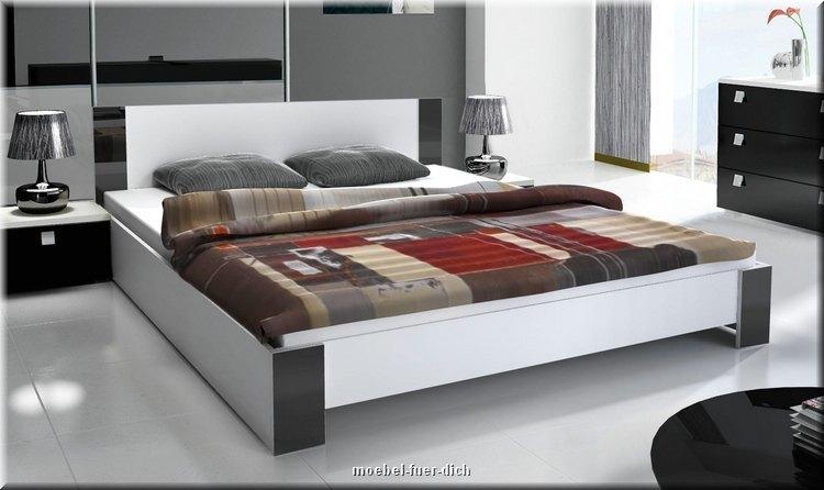 schlafzimmer komplett hochglanz wei schwarz doppelbett schiebet renschrank ebay. Black Bedroom Furniture Sets. Home Design Ideas