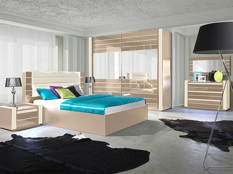 schlafzimmer hochglanz cappucino bett schrank 2 x nako kommode u spiegel ebay. Black Bedroom Furniture Sets. Home Design Ideas