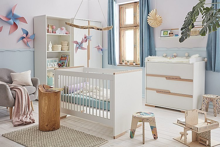 babyzimmer set snap v pinio bestehend aus babybett 120x60 cm kommode 3s wickelaufsatz. Black Bedroom Furniture Sets. Home Design Ideas
