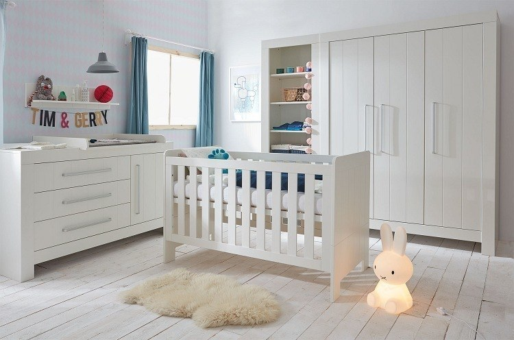 babyzimmer set pinio calmo bestehend aus babybett 120x60 kommode 3s wickelaufsatz. Black Bedroom Furniture Sets. Home Design Ideas